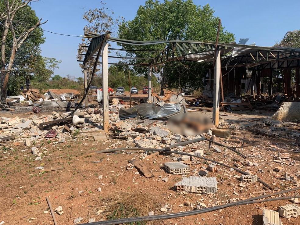 Explosão em garimpo deixou duas pessoas mortas — Foto: Corpo de Bombeiros