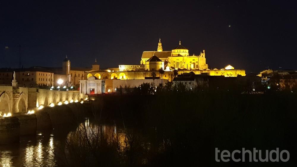 Foto tirada com a câmera traseira do Galaxy S9 em ambiente escuro (Foto: Thássius Veloso/TechTudo)