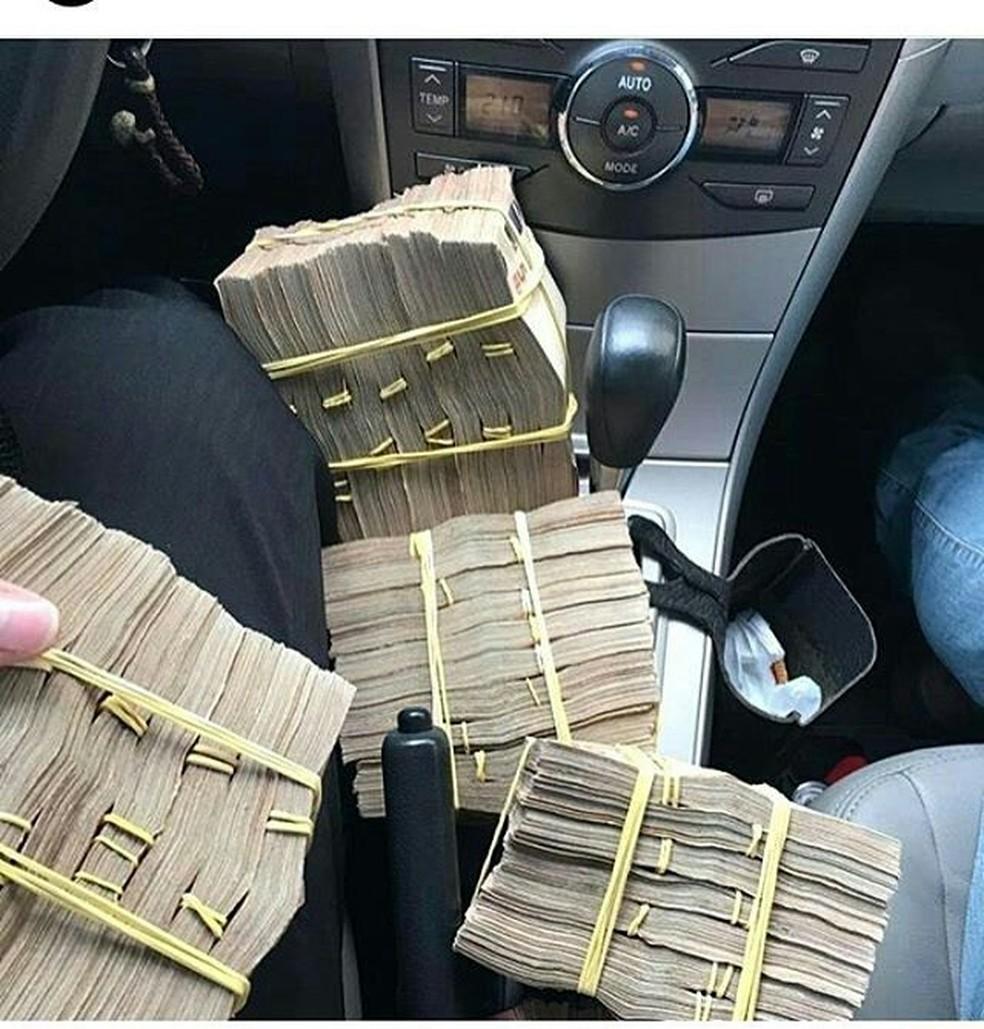 Operação da PF contra o tráfico apreendeu vários maços de dinheiro em Mato Grosso — Foto: PF/MT