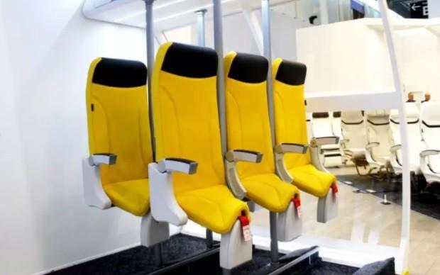 O modelo foi criado pela empresa de design aeroespacial italiana, Aviointeriors. Os passageiros ficam praticamente de pé durante o voo (Foto: Divulgação)
