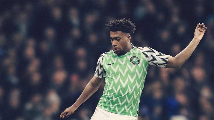 Nigéria lança uniforme ousado para Copa e homenageia Super Águias de ... 21b45c1d30c04