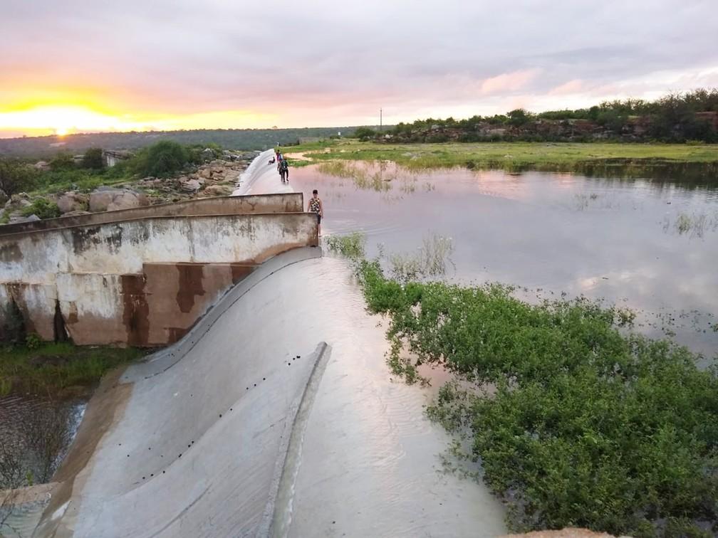 Açude Mendubim fica em Assu, e tem capacidade para 76,3 milhões de metros cúbicos de água — Foto: Sueldo Araújo