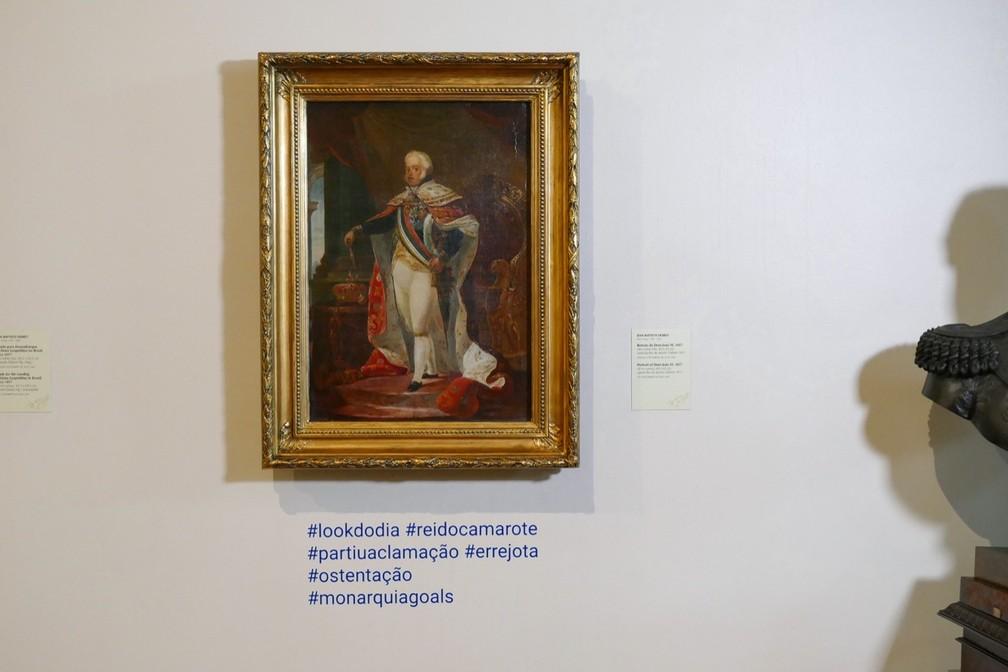 Resultado de imagem para telas com hashtags no museu nacional de belas artes rio de janeiro