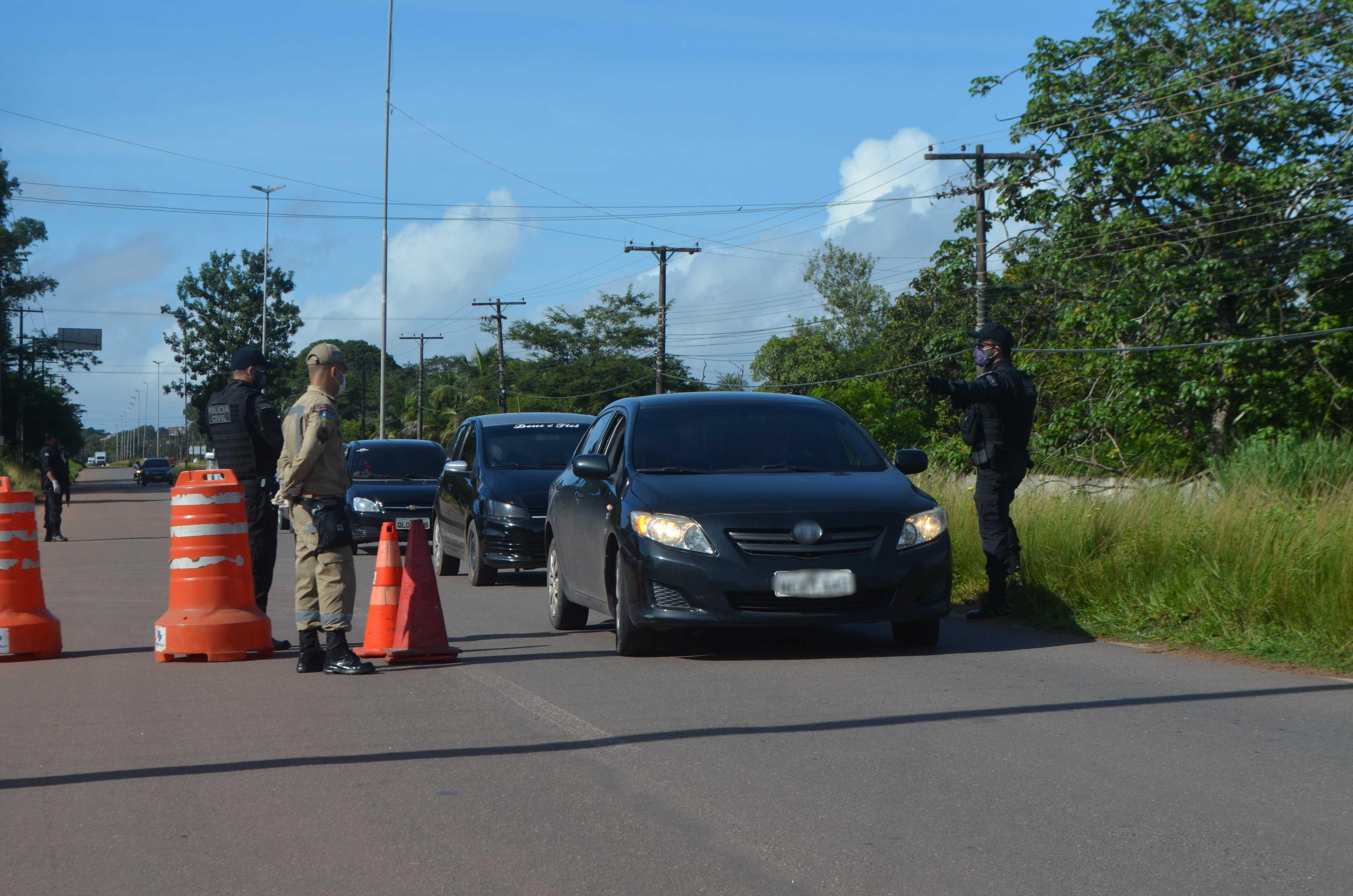 'Lockdown' encerra no AP com 25 mil veículos vistoriados e maior taxa de isolamento do país