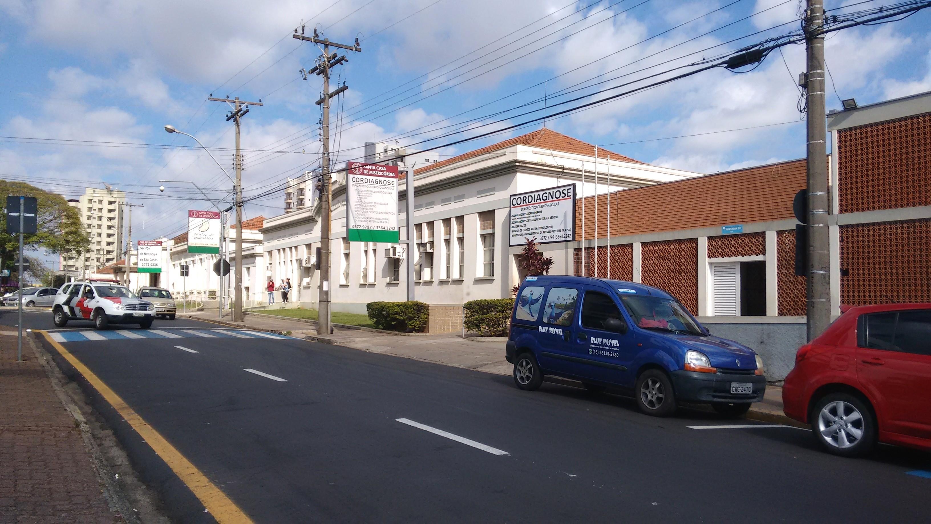 Santa Casa de São Carlos compra anestésicos para manter ala Covid por 1 dia e meio após campanha