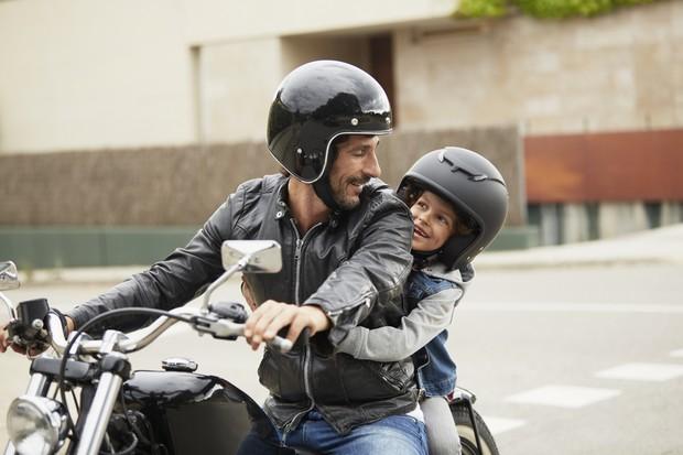 Criança na moto (Foto: Getty Images)