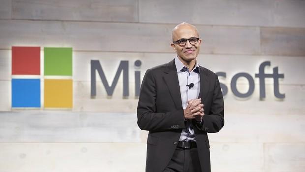 Satya Nadella, CEO da Microsoft, durante evento em Bellevue, Washington (Foto: Stephen Brashear/Getty Images)