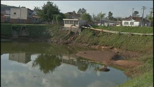Obra de desassoreamento em lagoa causa polêmica em Nova Campina