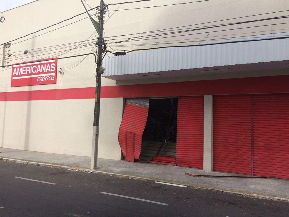 Loja de departamentos arrombada na Zona Leste de Natal na quarta-feira passada. (Foto: Divulgação)