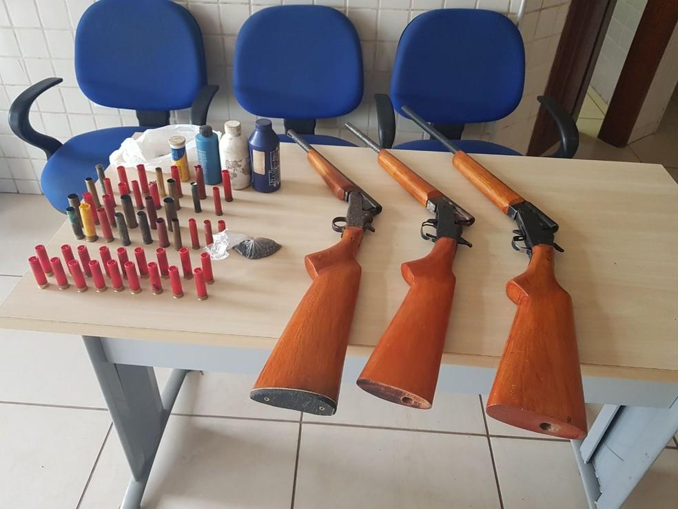 -  Polícia prende armas de fogo  Foto: Polícia Civil/Divulgação