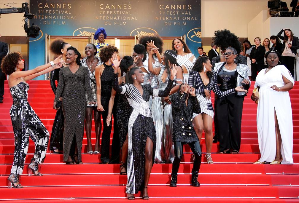 -  Atrizes protestam em Cannes contra discriminação  Foto: REUTERS/Jean-Paul Pelissier