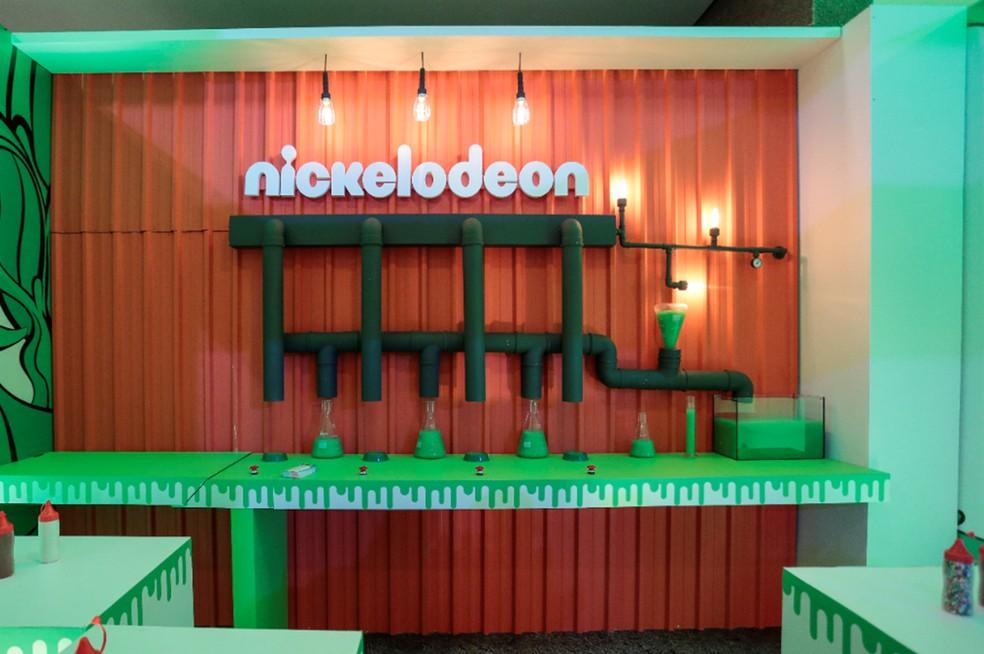 Circuito interativo da Nickelodeon para crianças cria laboratório para a confecção de slime — Foto: Nickelodeon/Divulgação