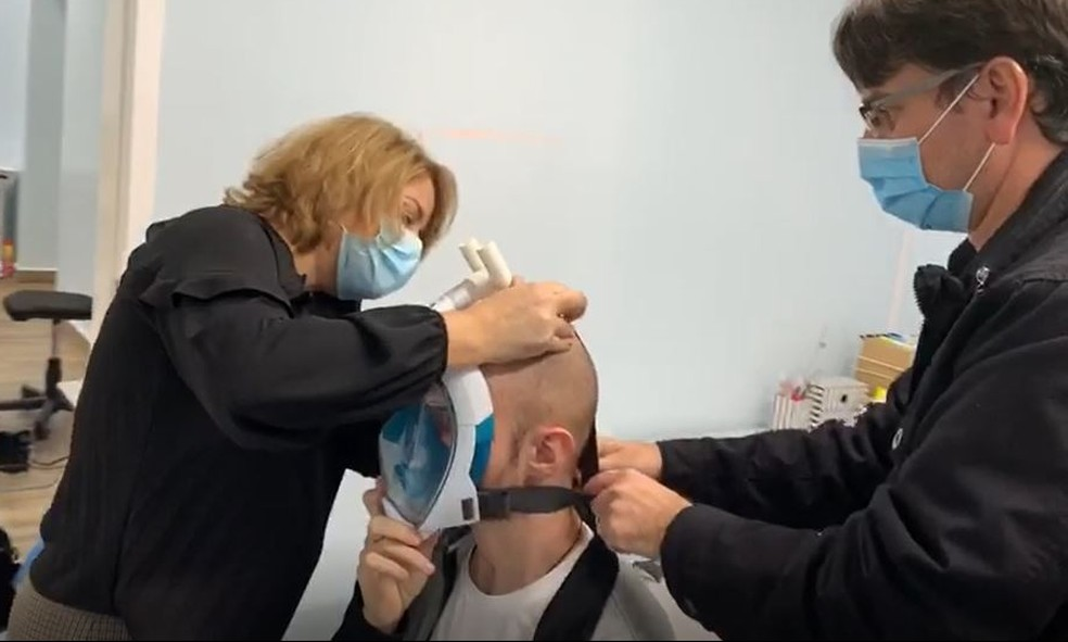Hospitais de Campinas utilizam máscaras de mergulho adaptadas em pacientes com a Covid-19 — Foto: Mário Sérgio Rolim Zaidan / Prefeitura Municipal de Campinas