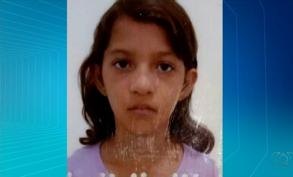 Garota foi atropelada ao sair da escola (Foto: Reprodução/TV Anhanguera)