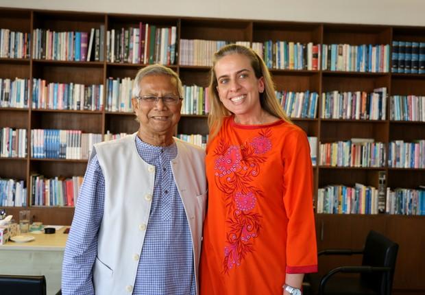 Professor Yunus ao lado de Ana Maria Drummond (Foto: Arquivo pessoal)