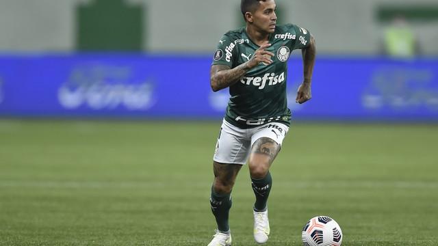 Dudu, do Palmeiras, contra a Universidad Católica
