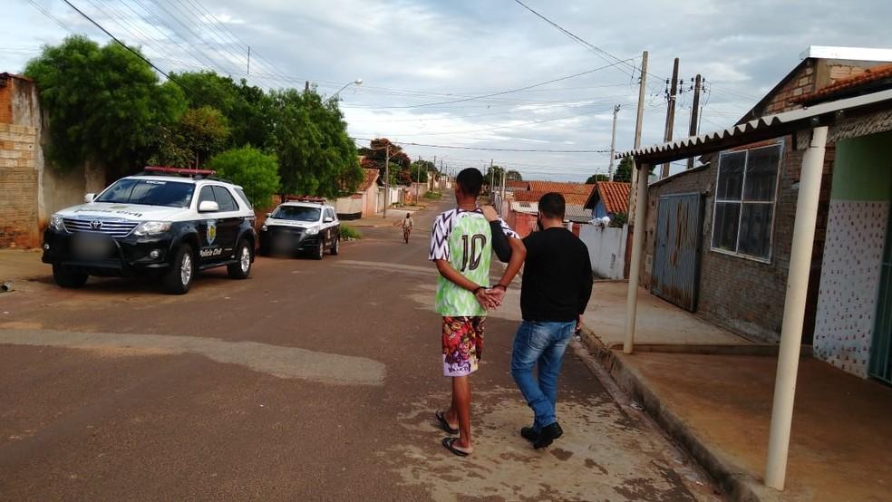 Polícia Civil prende suspeito de praticar roubos no comércio de Avaré — Foto: Polícia Civil/Divulgação