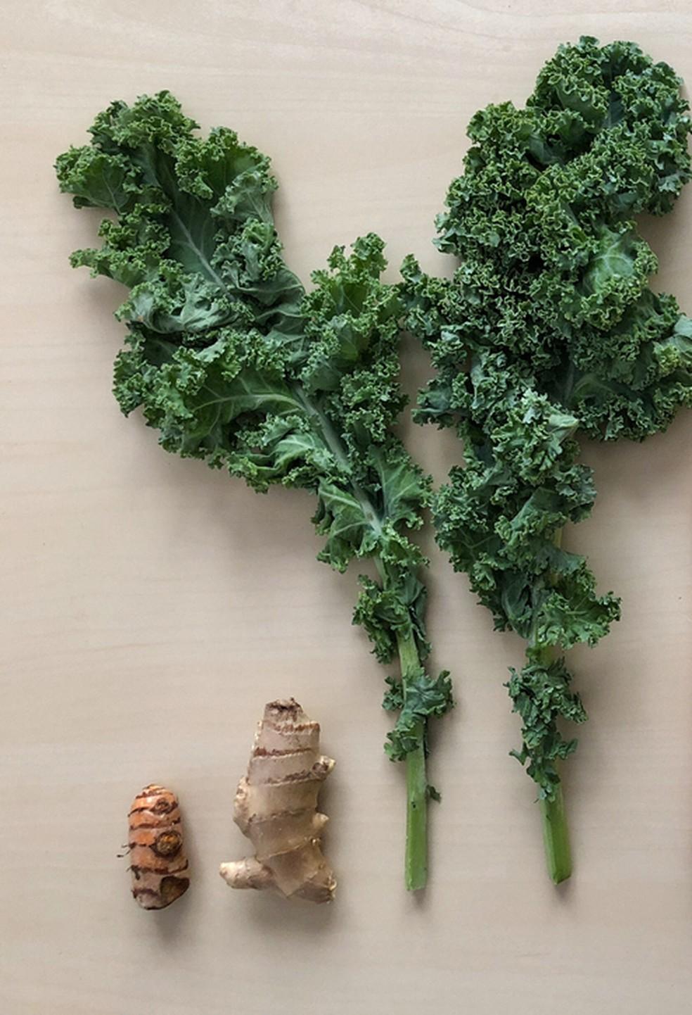 Gengibre e couve têm nutrientes importantes para o reforço do sistema imunológico — Foto: Istock Getty Images
