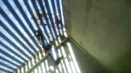 Presos gravam de dentro da cadeia fuga de três internos em Campo Mourão