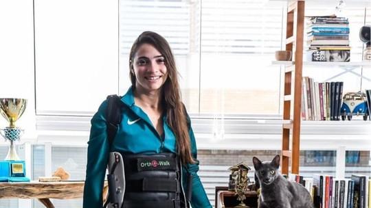 Laís Souza vibra ao falar sobre ficar de pé novamente: 'Minha saúde está melhor'