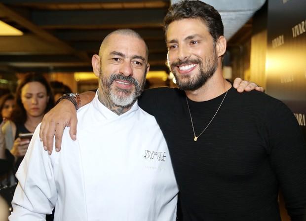 Henrique Fogaça e Cauã Reymond (Foto: Manuela Scarpa/Brazil News)