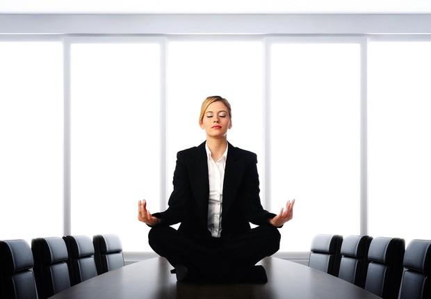 Meditação no trabalho ; carreira ; mindfulness ; concentração ; foco ;  (Foto: Dreamstime)