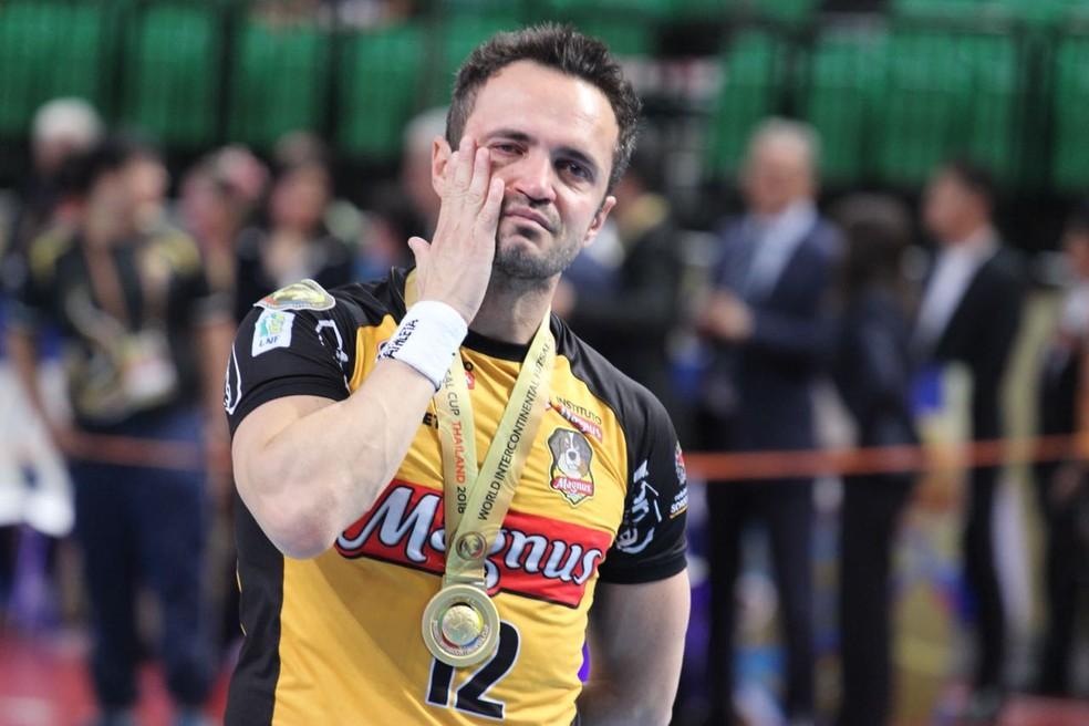 Falcão e a emoção por um grande título no fim da carreira  (Foto: Guilherme Mansueto/Magnus Futsal)