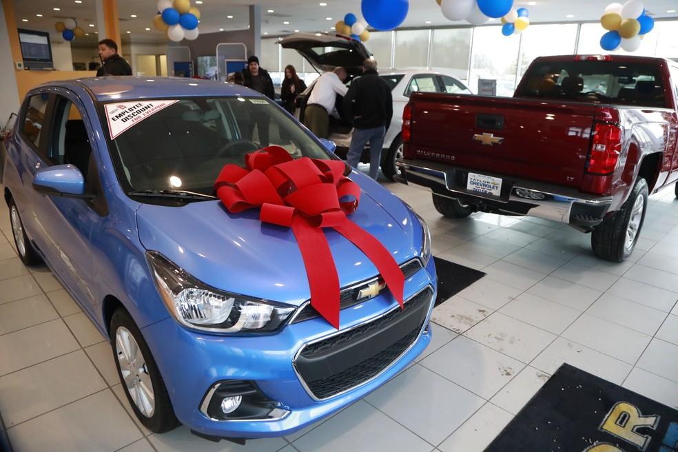 Eua devem ter primeira queda na venda de carros novos for Ford motor credit interest rates for tier 4