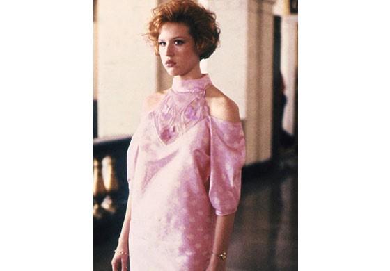 O rosa é clássico: a cor sempre esteve em alta, inclusive com essa homenagem no filme A Garota de Rosa-Shocking (Foto: Divulgação)