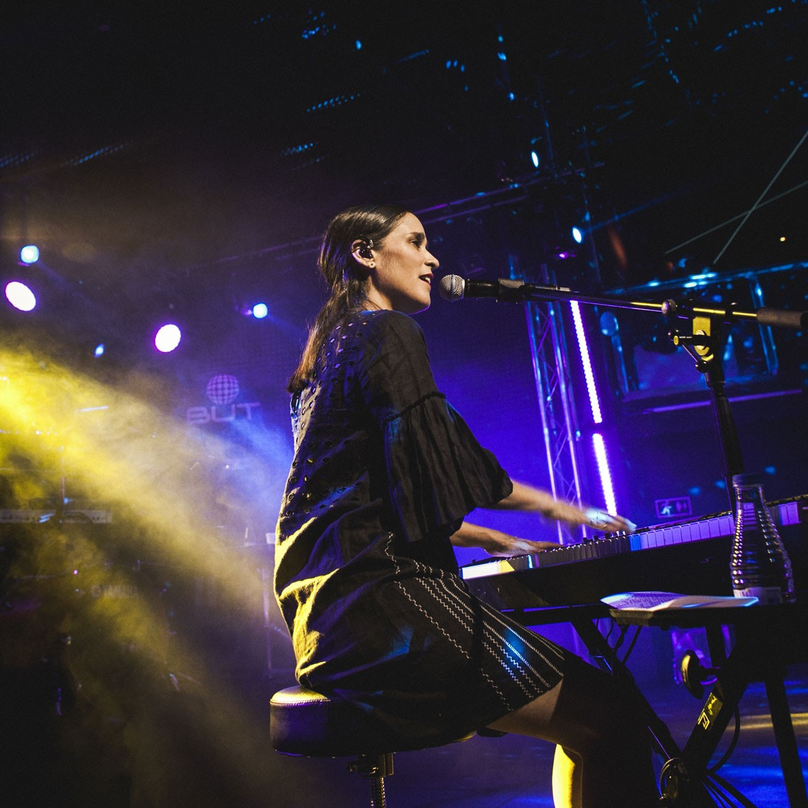 Julieta Venegas volta a Porto Alegre com novo formato de show: 'Me inspira muito'