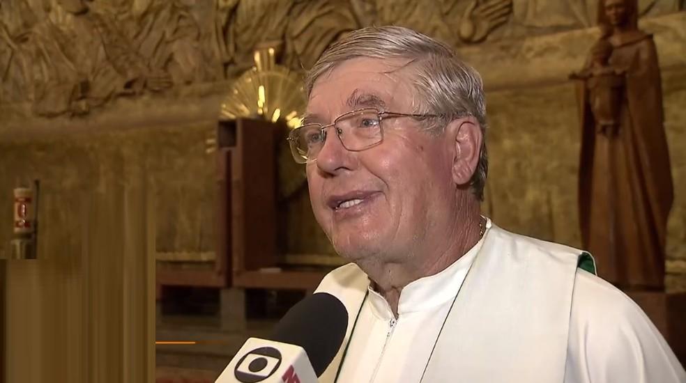 Padre Kazimerz Wojn foi fiscalizar obra que acontece no terreno da igreja quando foi morto em Brasília — Foto: TV Globo/Reprodução