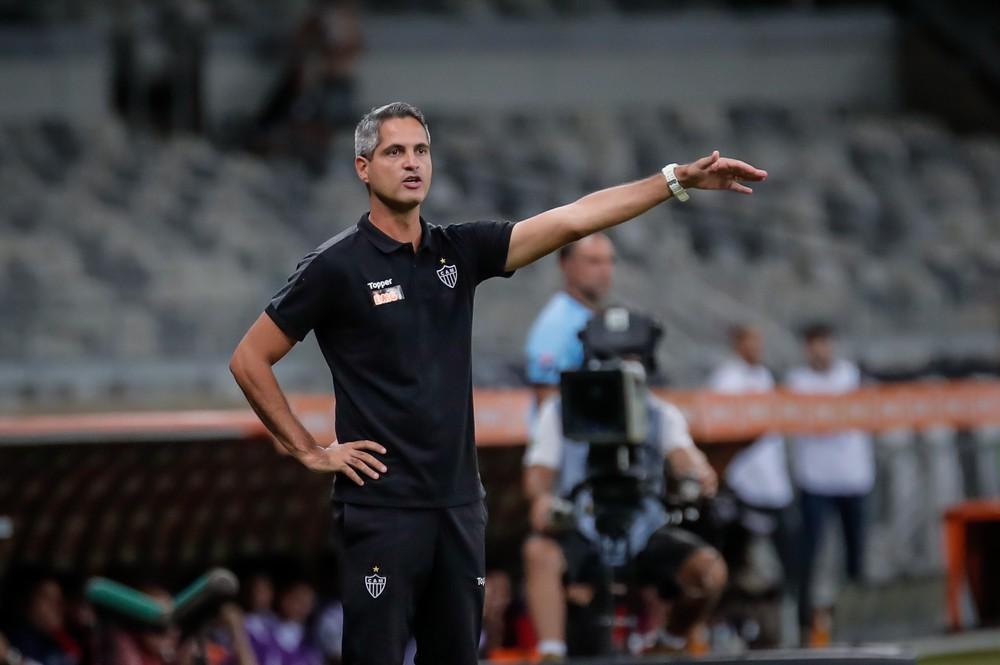 Rodrigo Santana segue no comando do Atlético-MG de forma interina — Foto: Bruno Cantini / Atlético