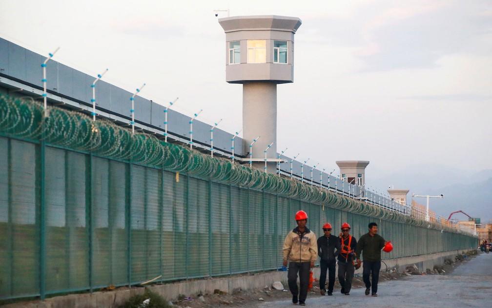 China criou campos de detenção de minorias na região de Xinjiang — Foto: Reuters/Thomas Peter