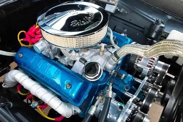 Motor V8 292 é mais raro do que o 302, mas tem força de sobra (Foto: Reprodução)