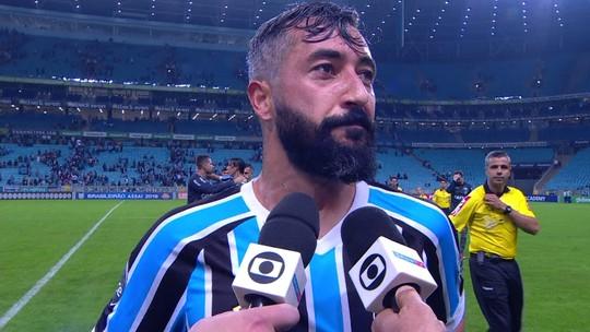 """Douglas volta ao Grêmio junto com o Brasileirão: """"Me segurei para não chorar"""""""