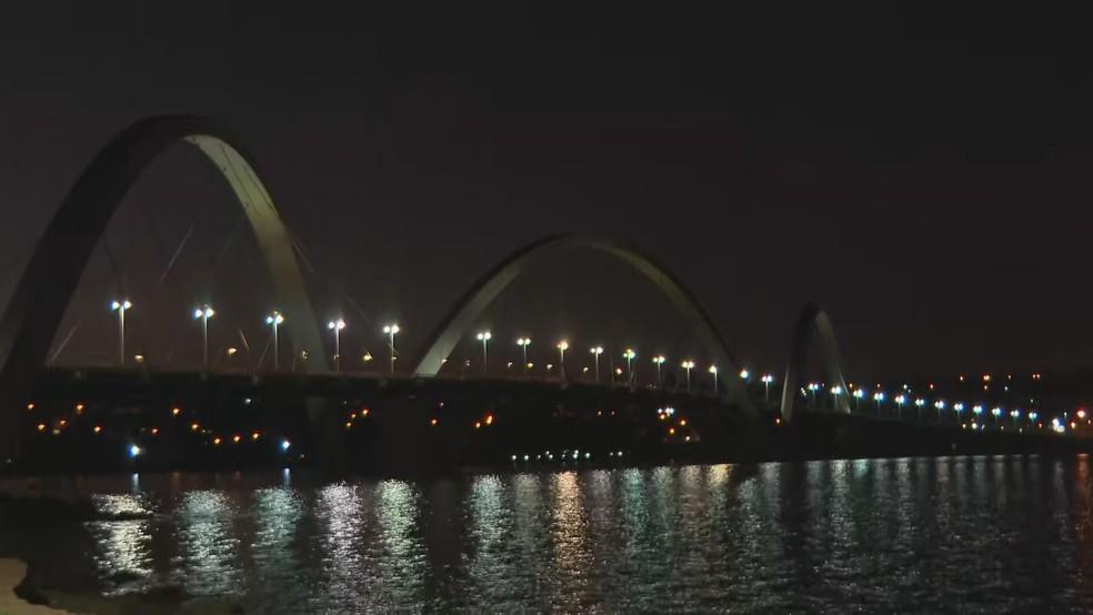 Ponte JK, no DF, durante o início da manhã desta terça-feira (20) — Foto: TV Globo/Reprodução