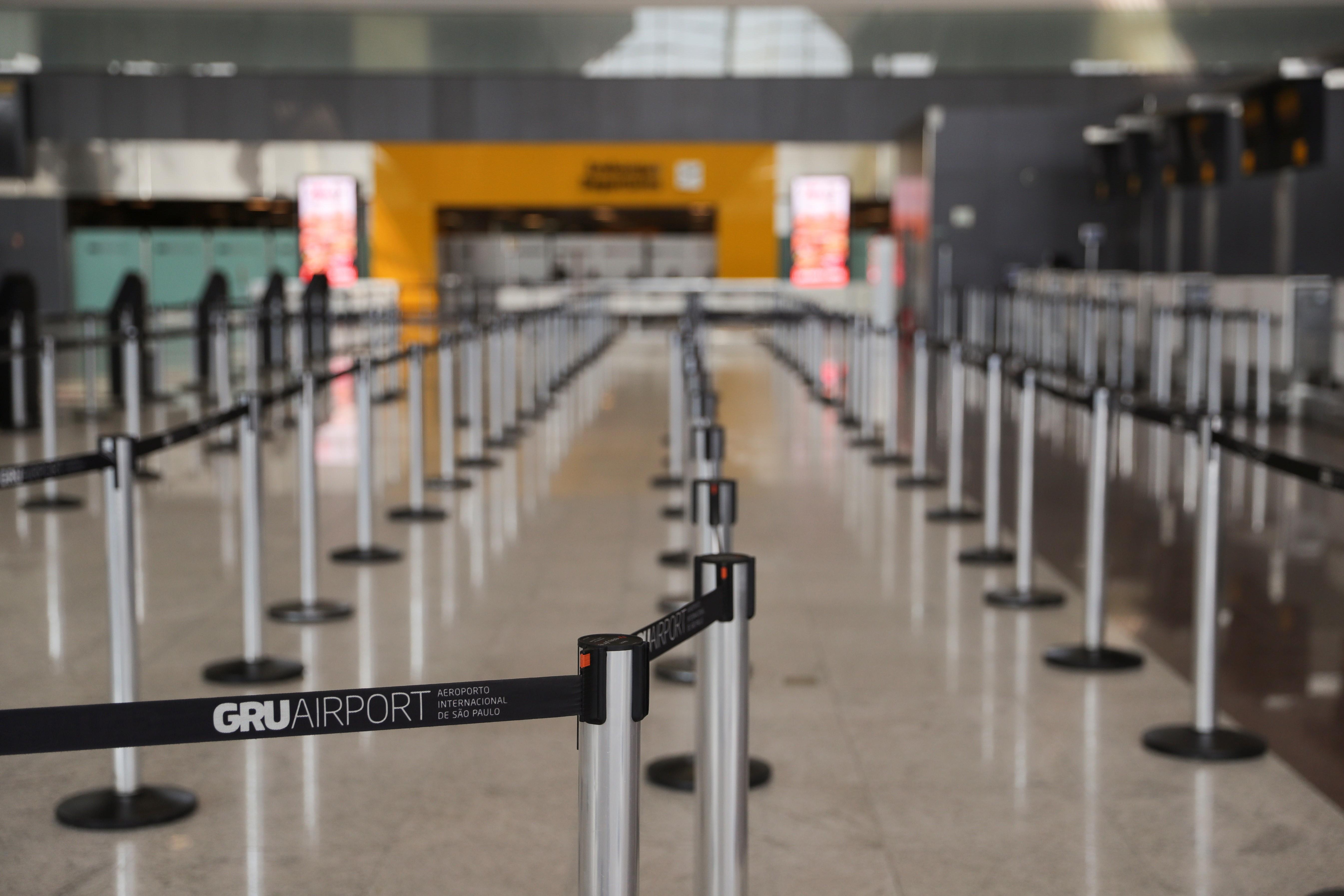 Transporte aéreo de passageiros cai 93% em abril no país, aponta Abear