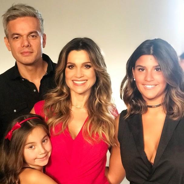 Flavia Alessandra e família (Foto: Reprodução Instagram)