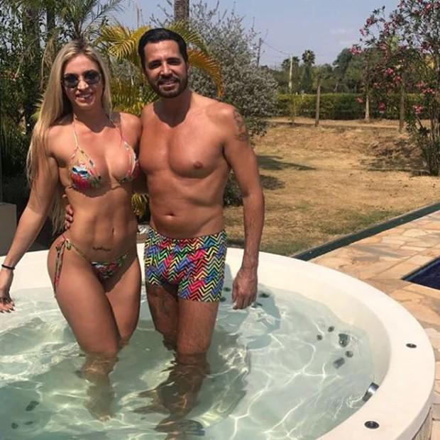 Latino e a atual noiva, Jéssica Rodrigues (Foto: Reprodução/Instagram)