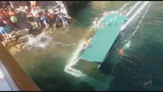 Vídeo mostra momento em que escuna afunda no Lago de Furnas, em MG