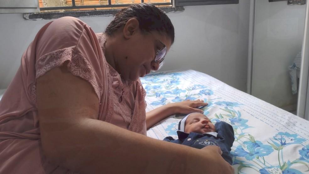 Laysi Eugênia falou da emoção de conhecer o filho Noah após cura da Covid-19 — Foto: Arquivo Pessoal