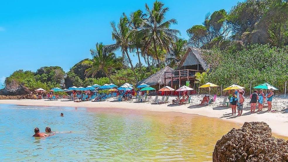 Praia de Tambaba, na Paraíba, oferece prática naturista e paisagem encantadora — Foto: Eduardo Fechine