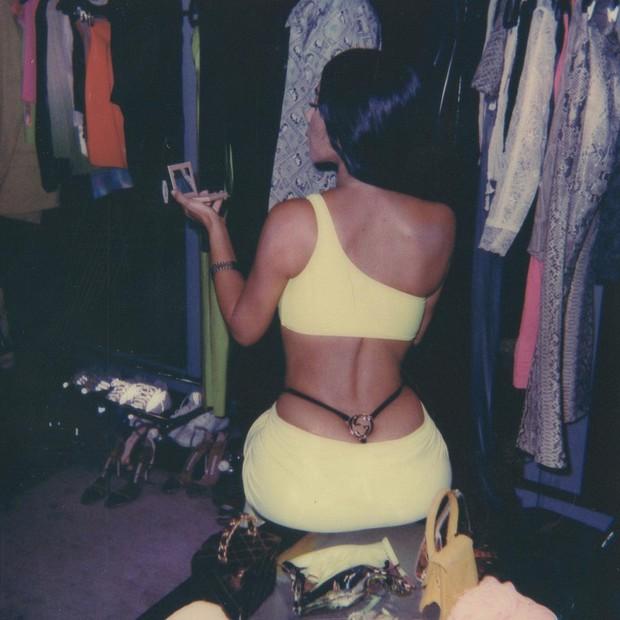 Kim Kardashian e o polêmico fio dental Gucci lançado por Tom Ford em 1997 (Foto: Instagram Kim Kardashian/ Reprodução)