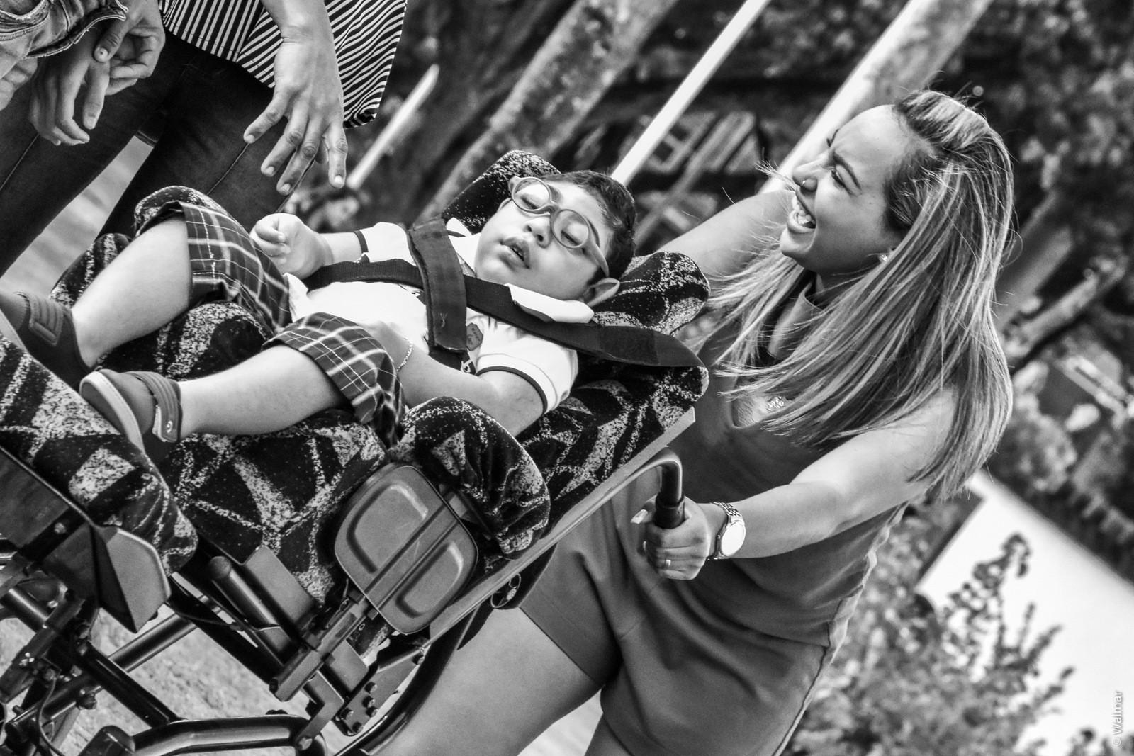Fotógrafo registra relação de amor de mães e pais com filhos com microcefalia, em João Pessoa - Notícias - Plantão Diário