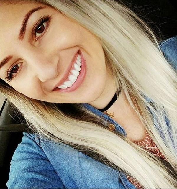 Jovem caminhoneira de SC mostra rotina nas redes sociais e tem seguidores