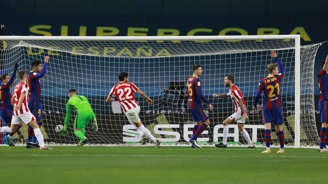 Barcelona x Athletic Bilbao - gol anulado de Raúl García