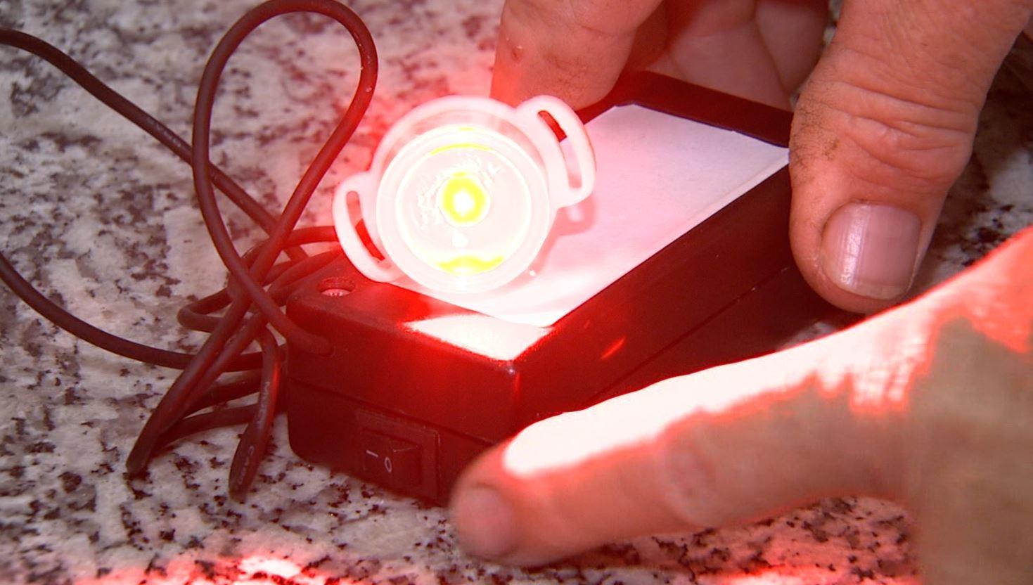 Dispositivo criado na USP permite que pacientes com câncer de pele façam tratamento em casa