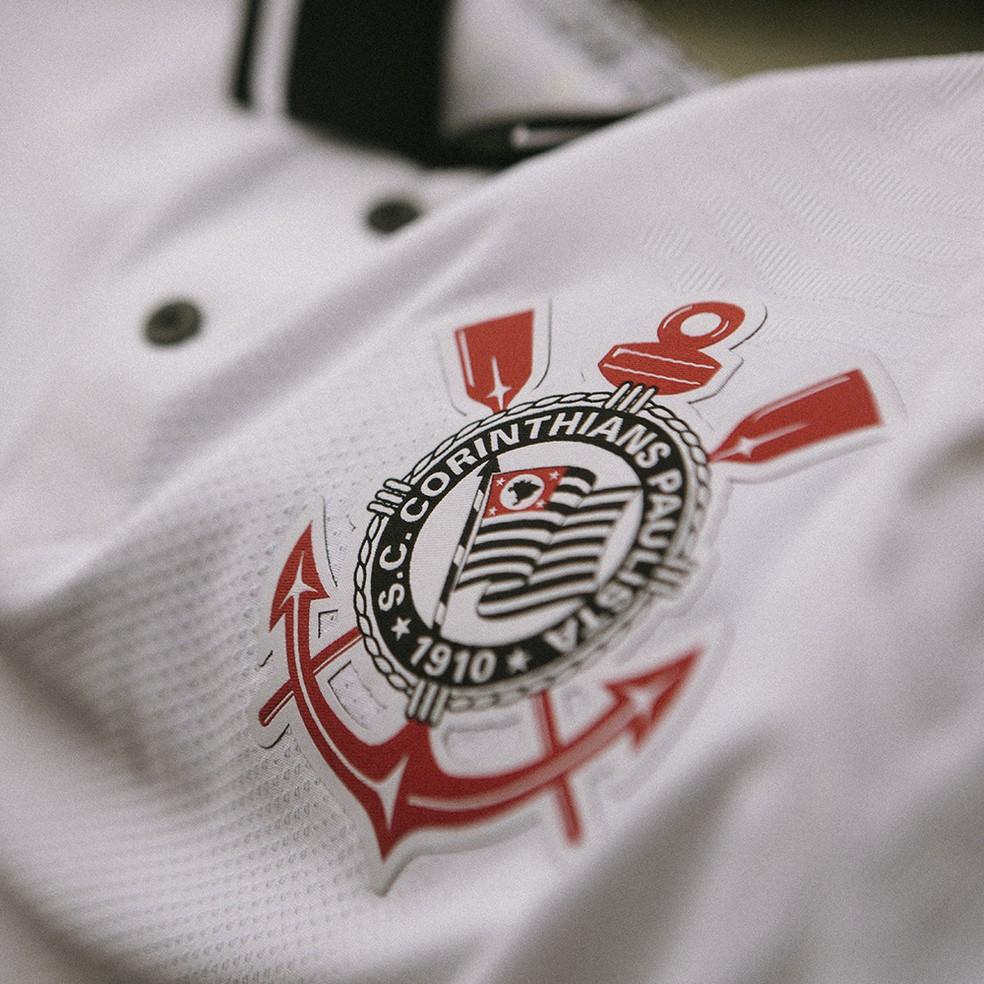 Escudo do Corinthians na nova camisa — Foto: Divulgação