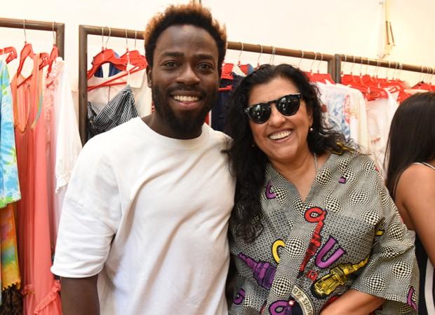 Douglas Silva e Regina Casé (Foto: Foto:  Divulgação)