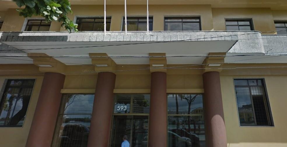 Fórum Thomaz de Aquino fica no Centro do Recife — Foto: Reprodução/Google Street View